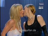 Madonna - Britney Spears - KISSING