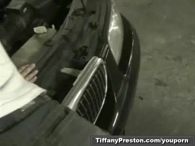 Sex Tubes of Tiffany Preston Sucking The Towing Guy