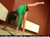 Amateur girl doing naked exercises
