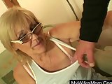 Amateur people decide to make porn video and fucks granny