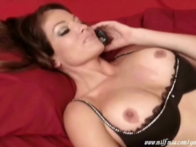 Porn pictures Hot mom gives handjob