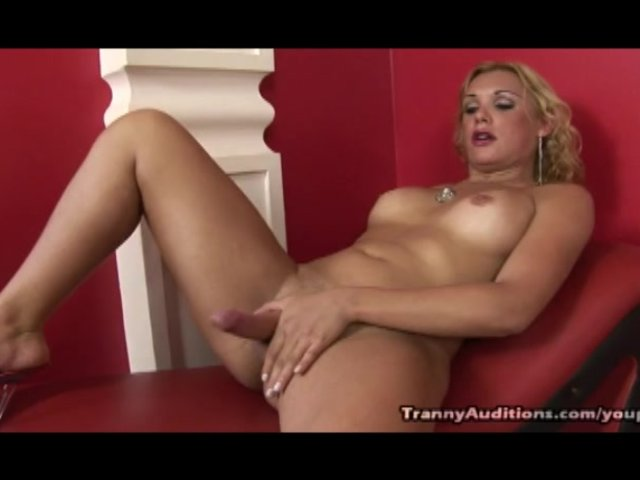 Hot blonde masturbating to porn