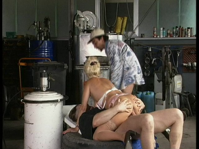 Sex Tubes of Secretary Fucks Two Guys In The Garage (clip)