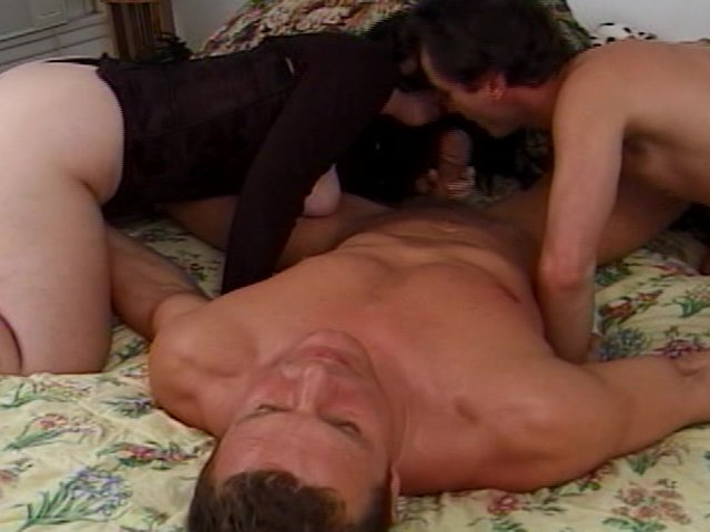 Jmac gets his cock sucked by Tasha in the VIP - PornSharing