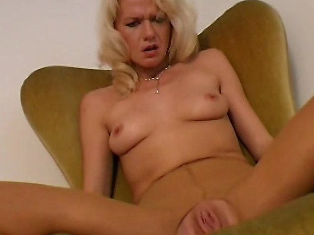 Striptease Una Rubia - 35876 Videos - Cammox