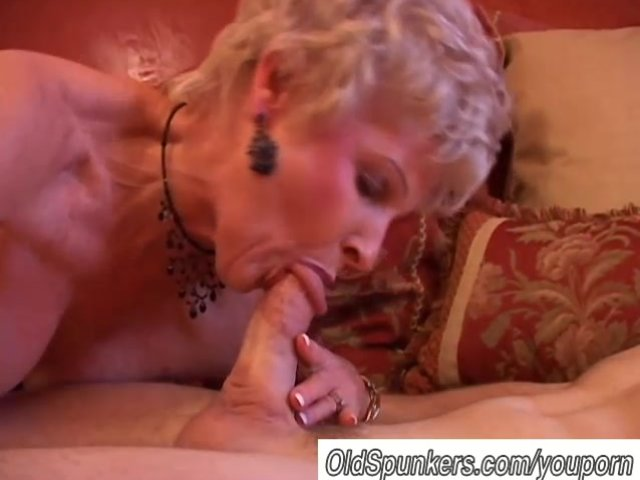Wife blowing husband till he cums in her mouth 6