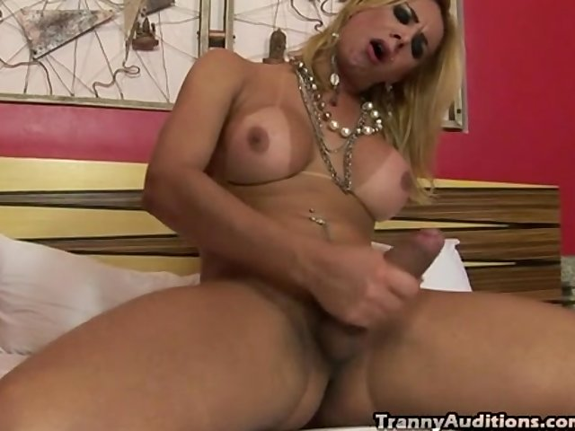 Jerking shemales free video