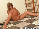 Glamour girl masturbates