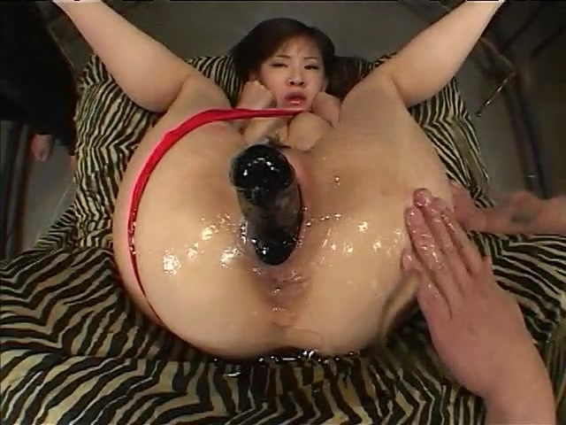 Naked asian women lips