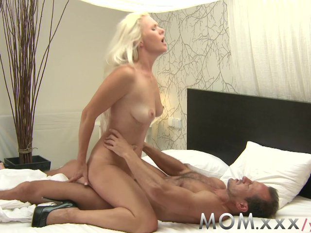 watch xxx online for free