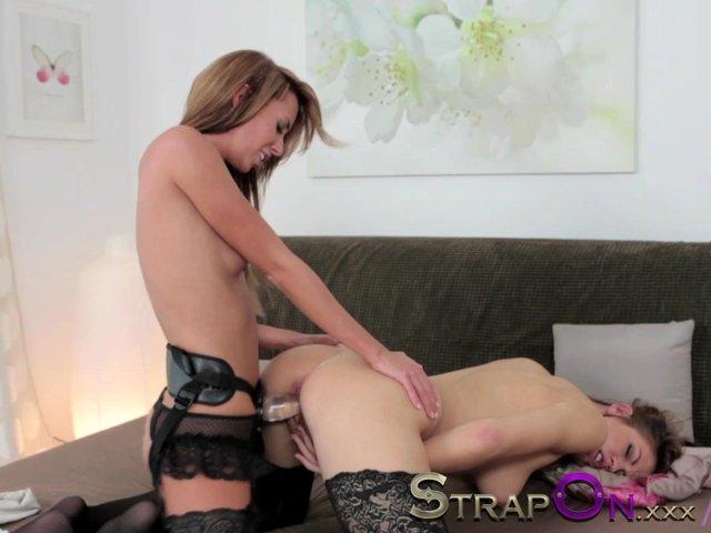 sex Lesbian penetrative