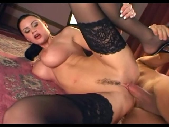 chernie-chulki-porno-video-onlayn