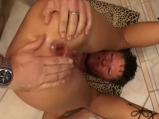 Gaping Trimmedpussy video: short haired slut rides and opens her asshole for two cocks