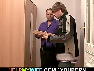 Czech Dad Euro video: Pizza guy does his young wife