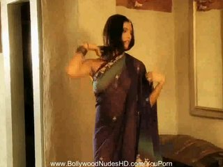 Indian Brunette Oriental video: Bollywood Girlfriend Is True HD