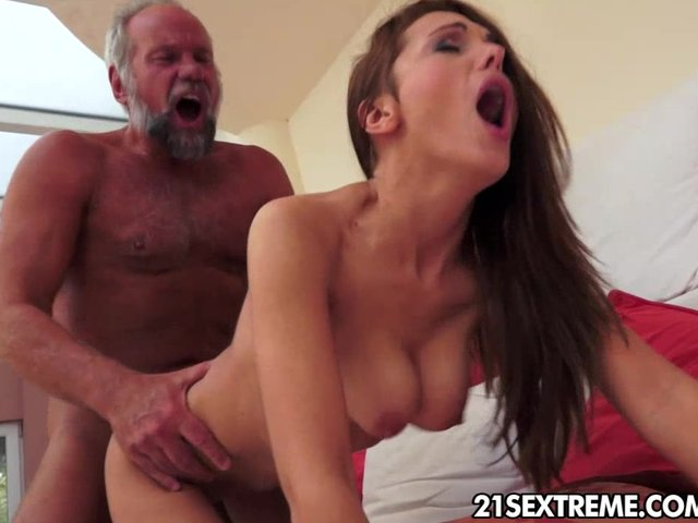 Download Porn Video Not So Naive<br />