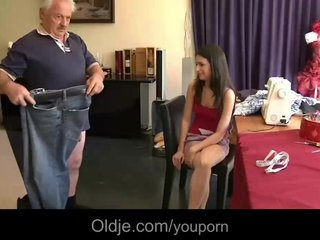 Brunette Grandpa video: 75 wrinkled grandpa shaggs young sewer girl
