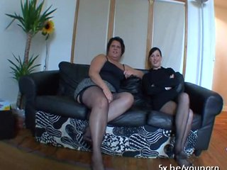 chubby lesbian group sex - ... Lesbians Bbw French video: Sabrina and Mae fucked in a groupsex