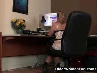 Mom watches online porn and needs to get off